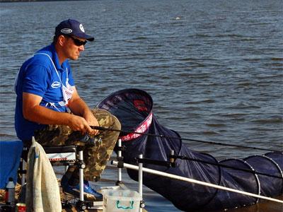 Снасти для рыбалки на реке