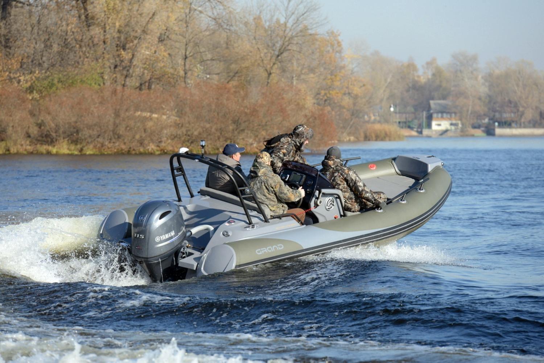 Надувная лодка ПВХ с жестким дном